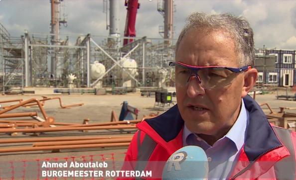 Burgemeester Ahmed Aboutaleb ziet ook voordelen in training plant